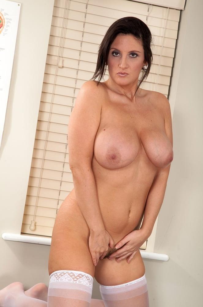 Jenny Badeau IV - 117 Pics