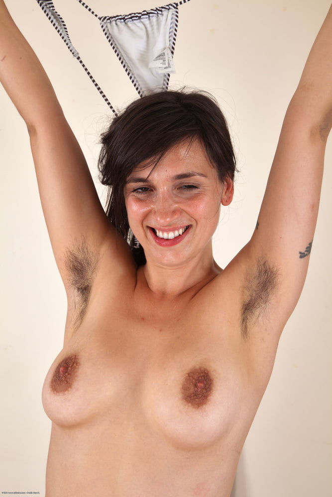 This woman's facebook post about her hairy armpits is going viral