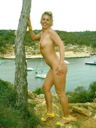Yvonne - Mallorca Public Nudity