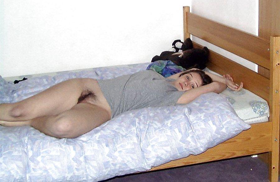 Снилось что сплю с молодой девушкой в общежитии 7