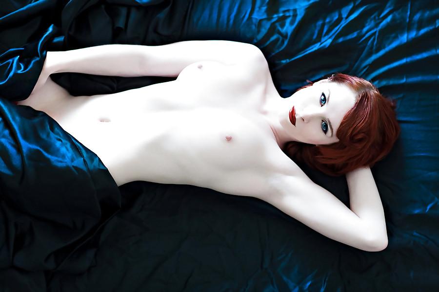 Nude Skinny Dark Haired Girl Oiled Up