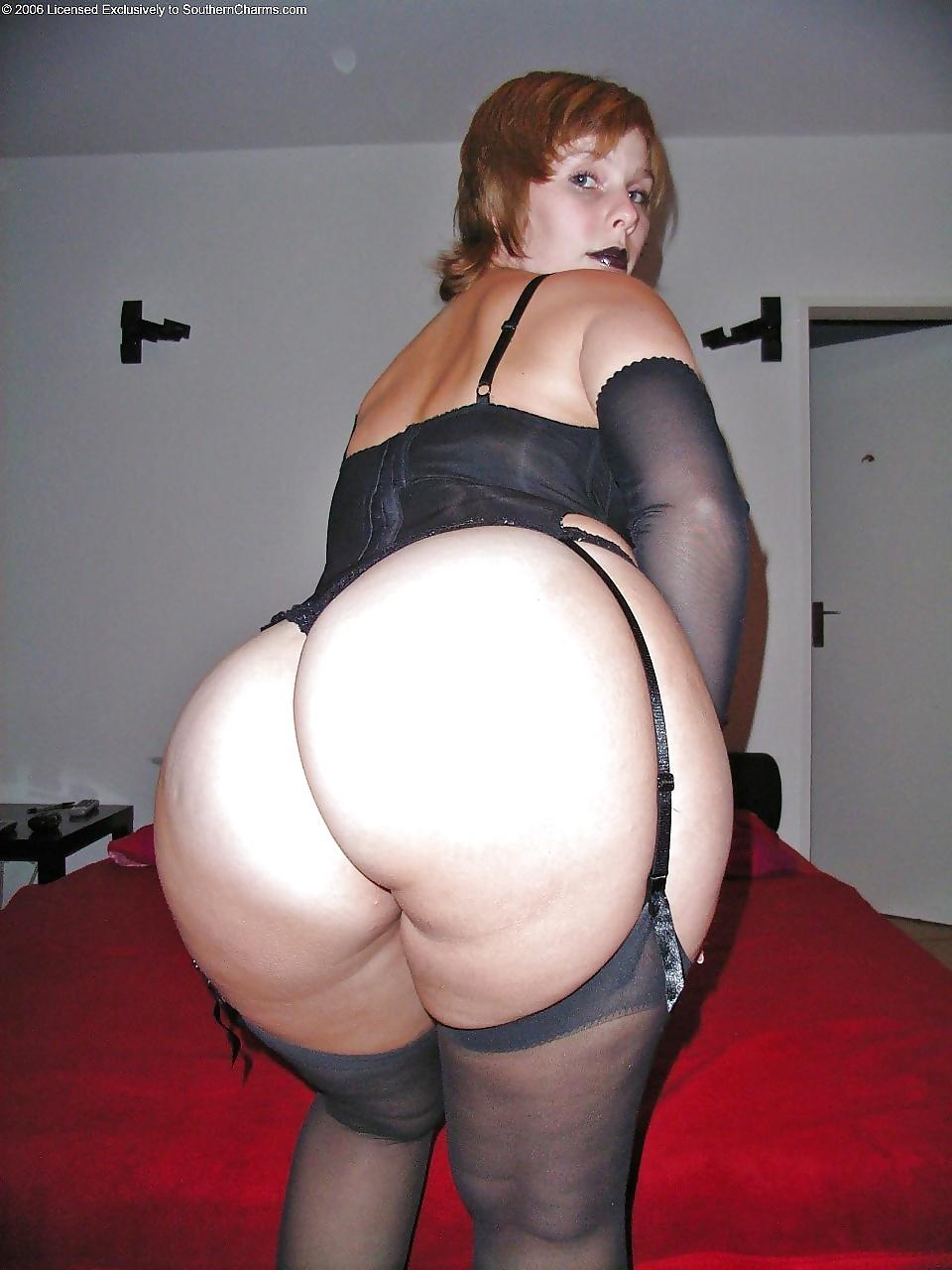Женские зрелые крупные жопы фото