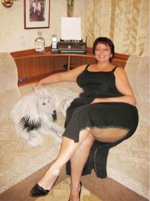 soset-pozhilie-zhenshini-s-nomerami-telefona-moskvi-dlya-intima-blondinki-mezhdu