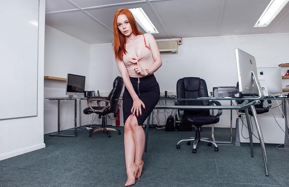 Married redhead fucks boss, hot bude black ass