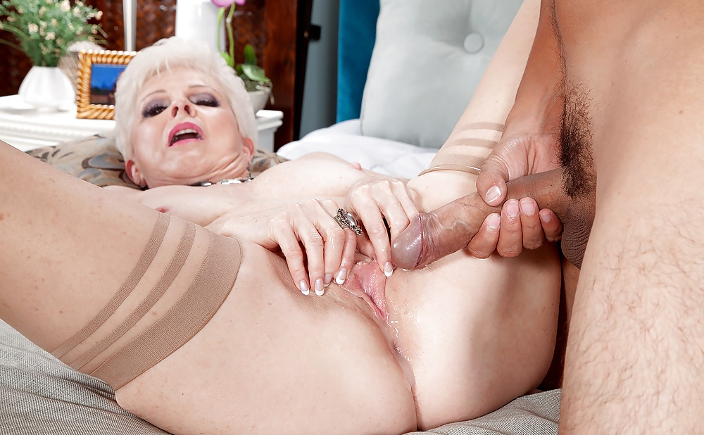 Dolly Riesenschwanz Dicke Vibratorsex