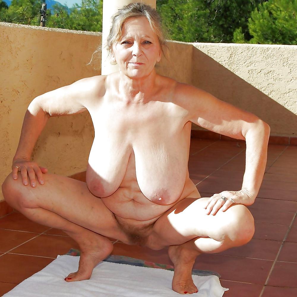 Busty older women nude pics 6
