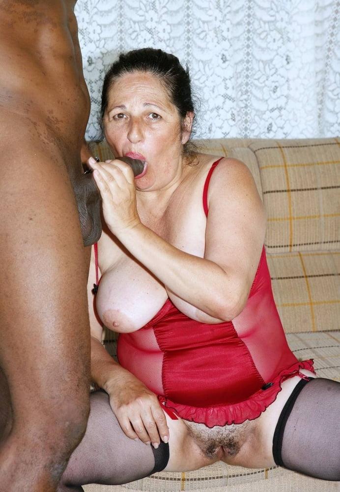 Ehefrau Taetowierte Rote Vibratorsex