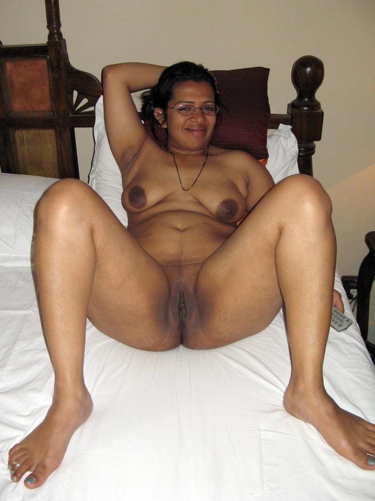 Fantastic Mature Indian Pussy Pics