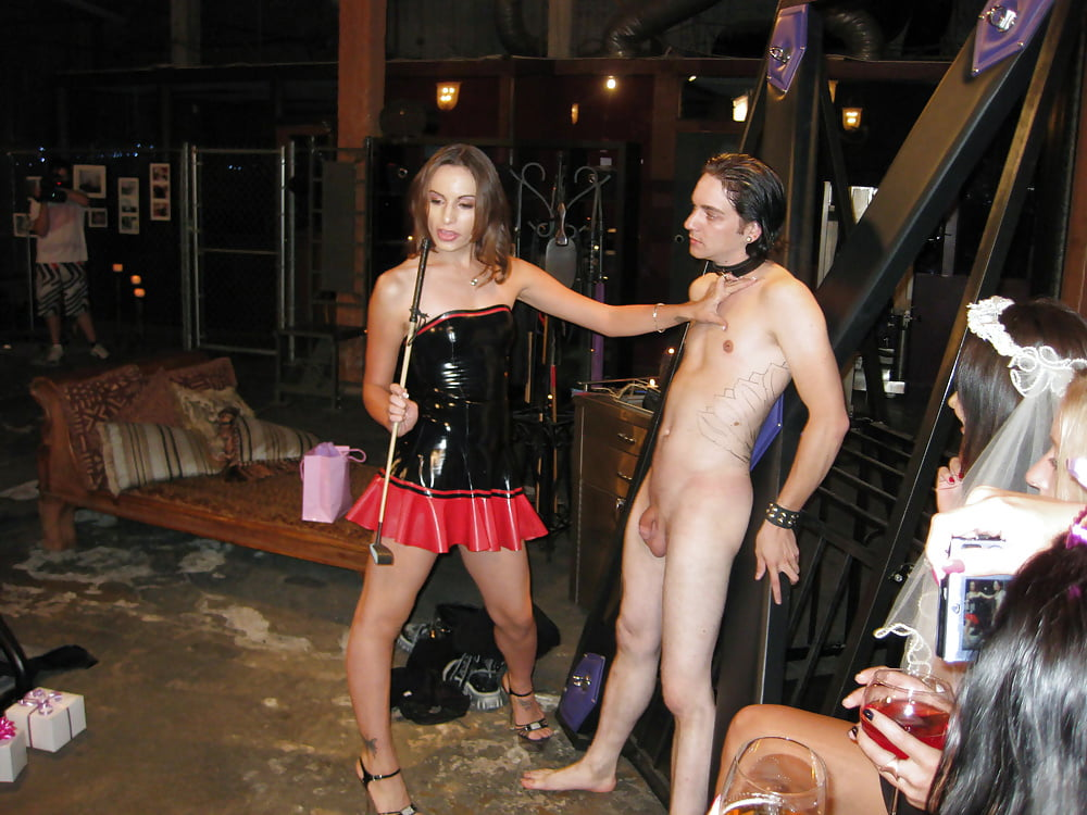nude-naked-bachelorette-party