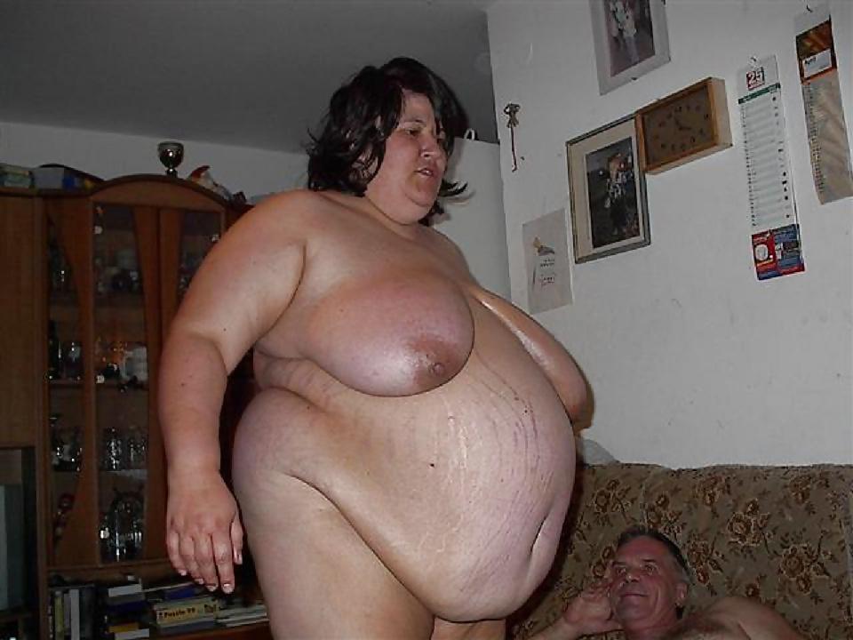 трусиках перед видео голых и толстых женщин удивился