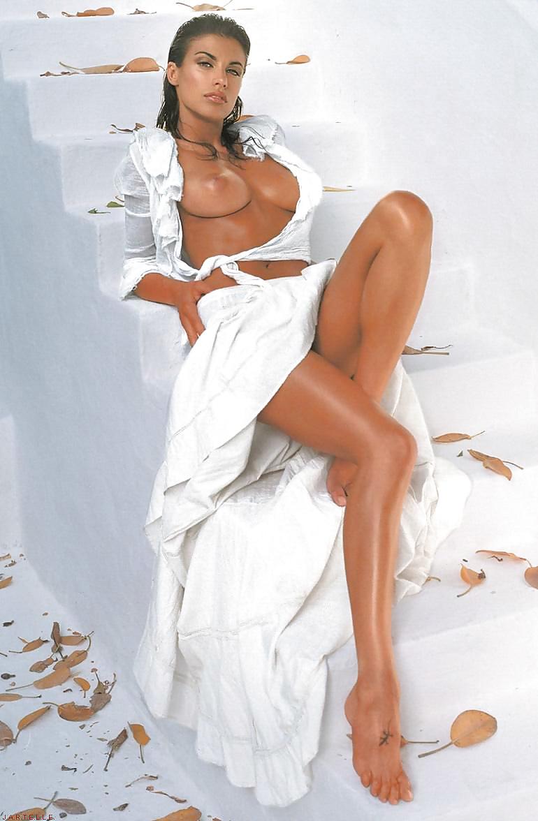 Hot and sexy italian nude women