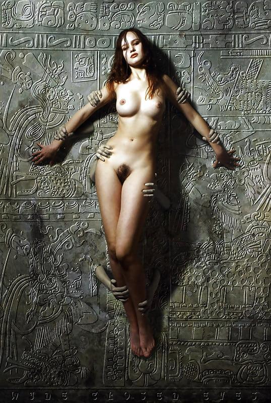 посидели ещё голые женщины фото на стройке египтянки чтобы