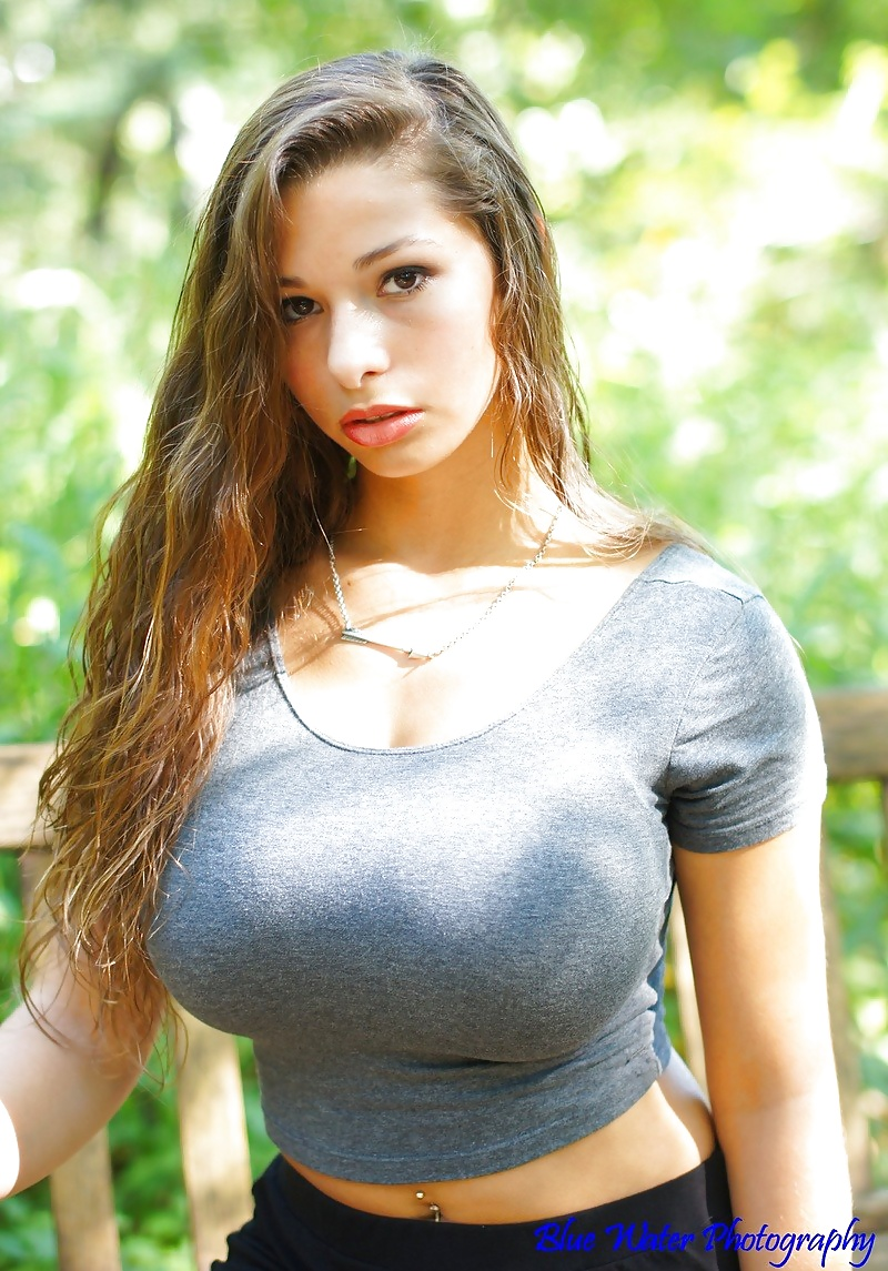 girl-with-tight-breasts