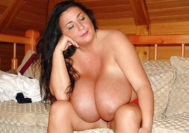 Enormous boobs milf-8288