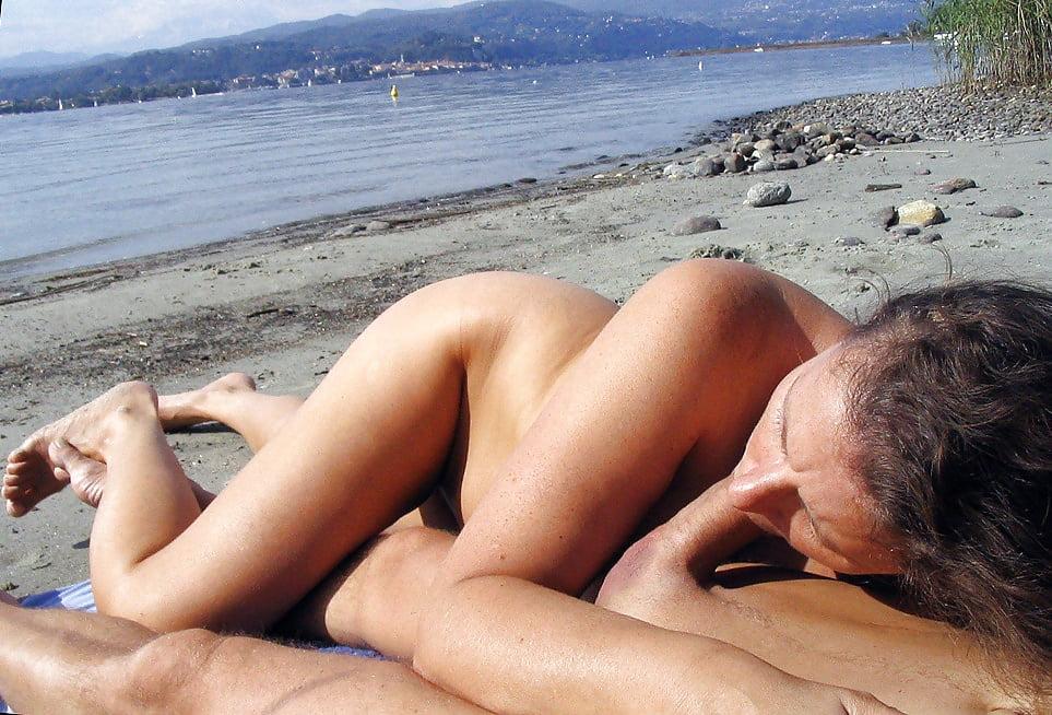 Hotjob at the nude beach