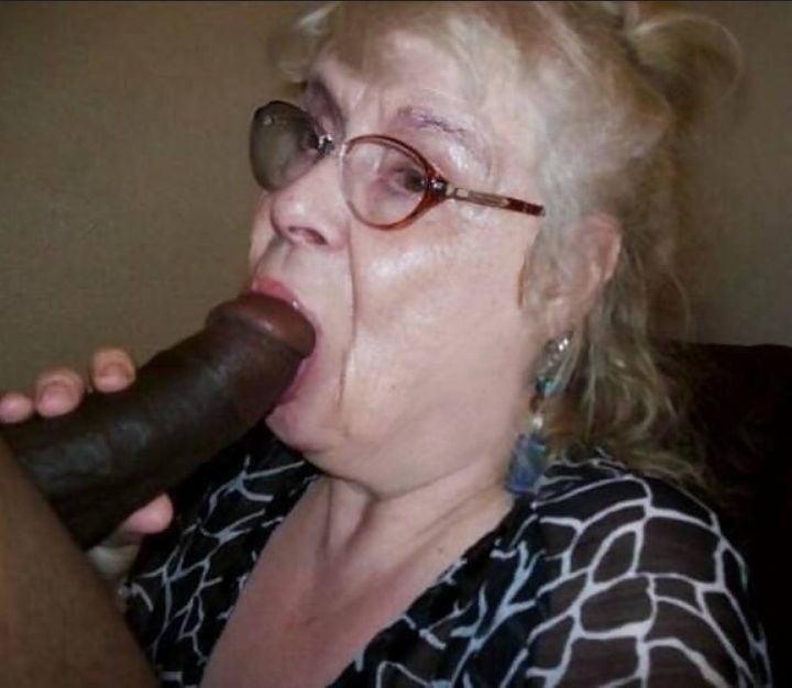 Granny sucks black cock porn pics