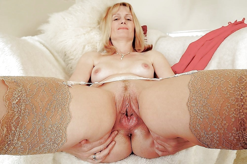 Mature shaved cunt pics — 6