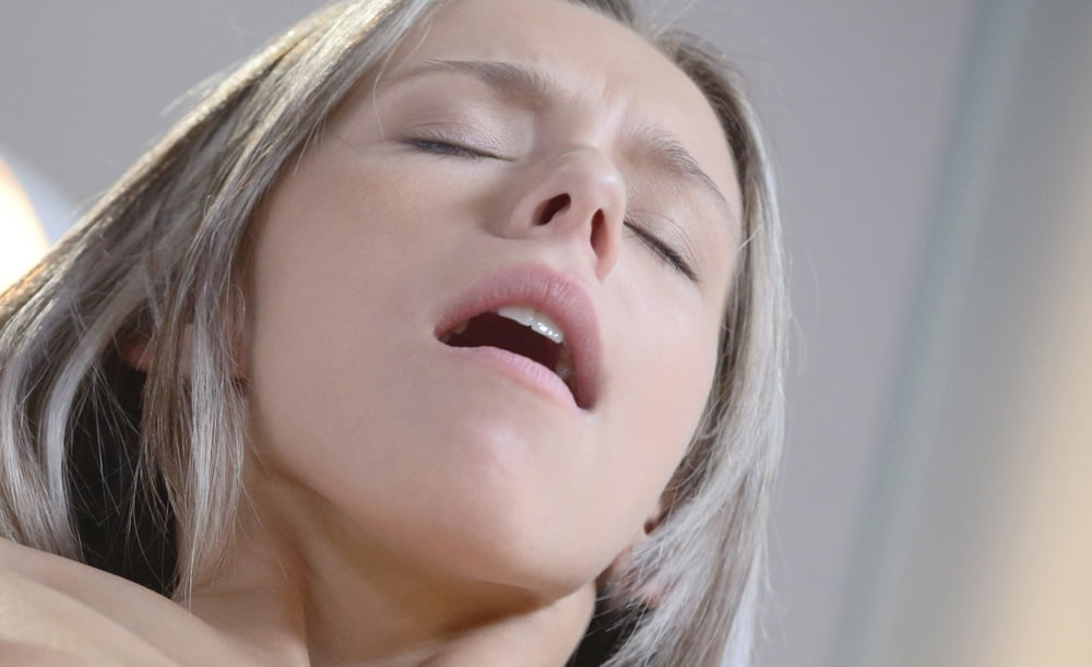 Facezination - lust in HD - 24 Pics
