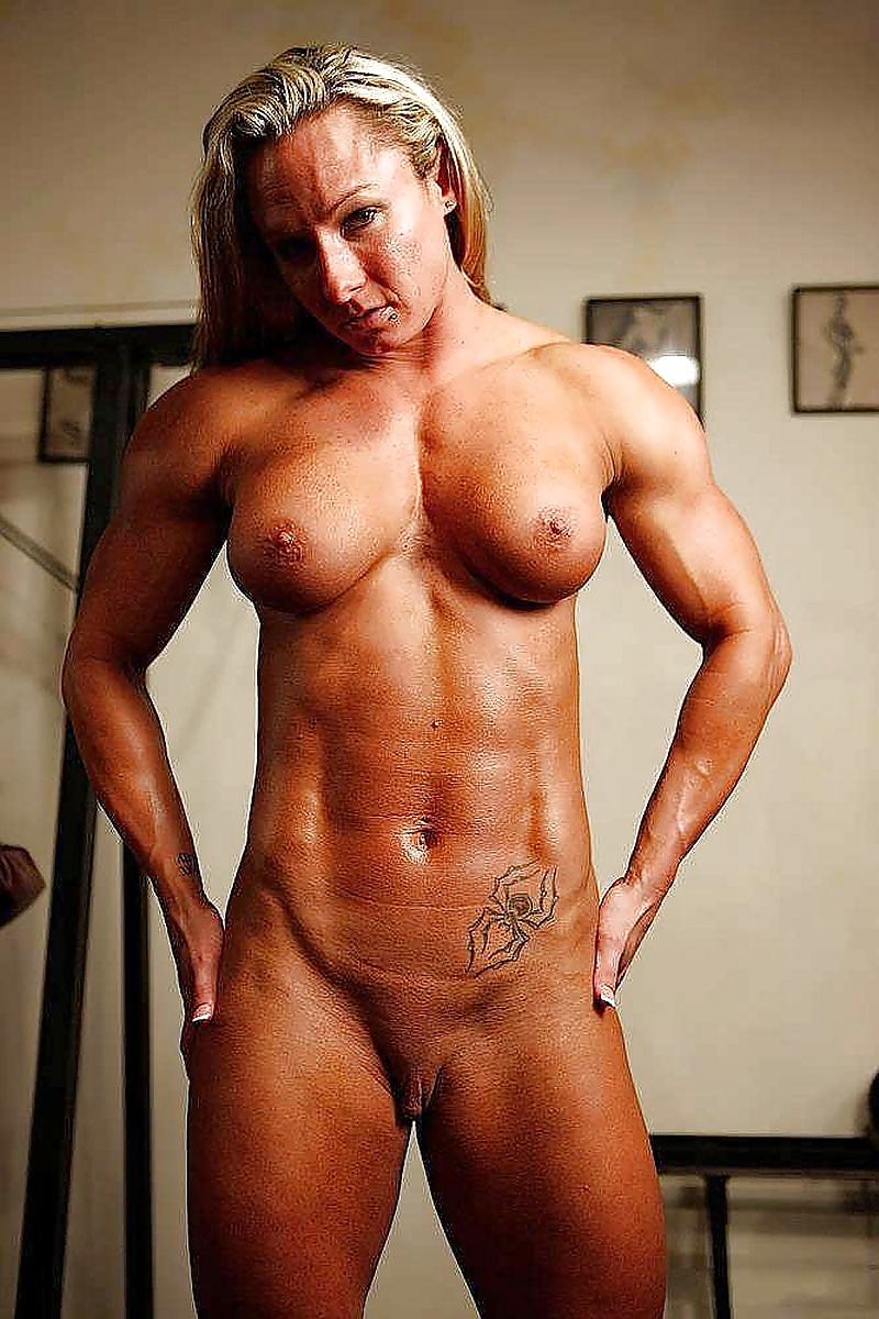 Sexy nude pics of hunky and proud body builder