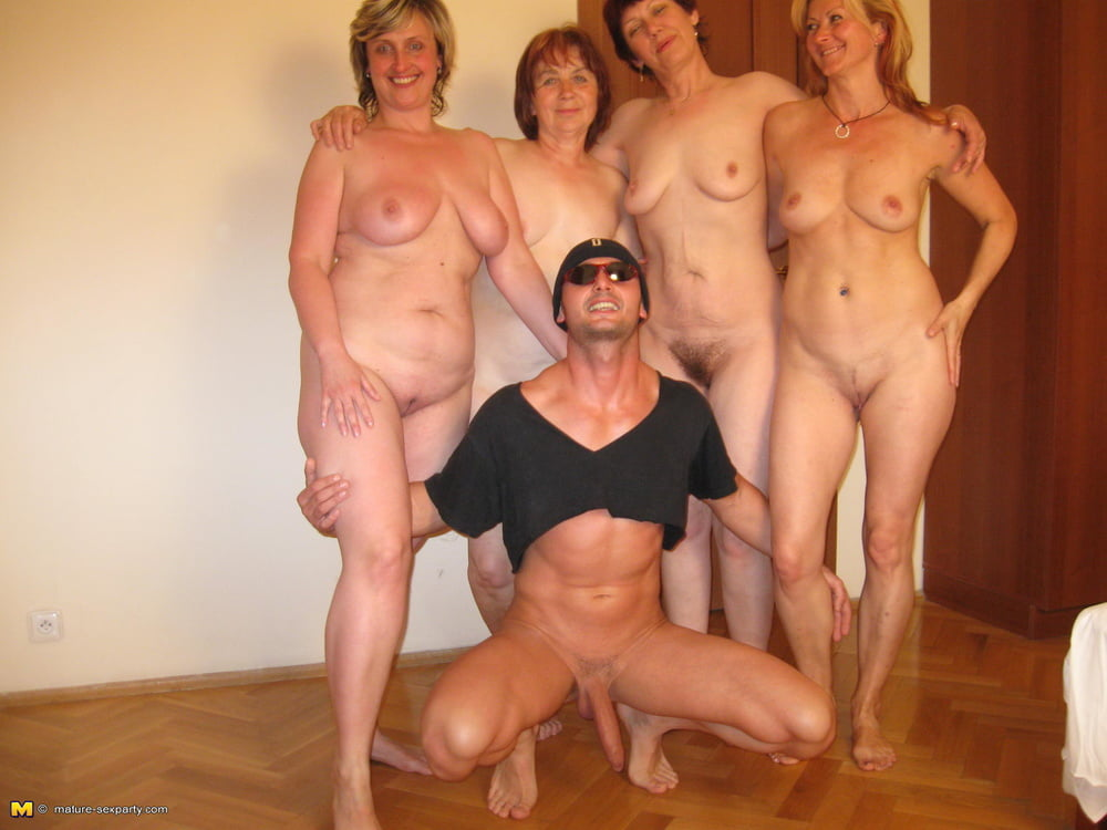 Moms nude group