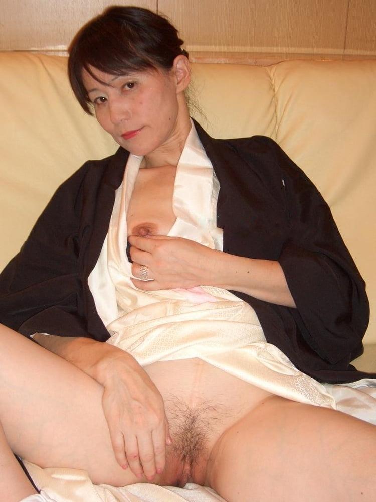 Nude Women Of South Korea