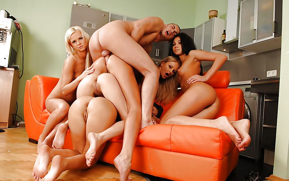 One lucky guy fucking multiple girl