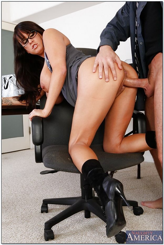 secretary-slutty-sexy-hard-beyonce-s-big-ass
