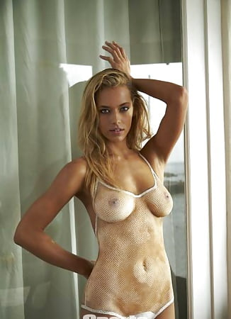 Hannah Ferguson  nackt