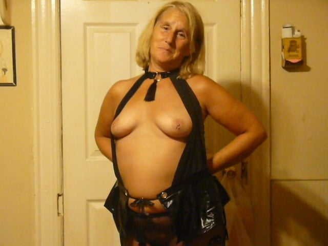 Amateur british wife threesome Real german family12