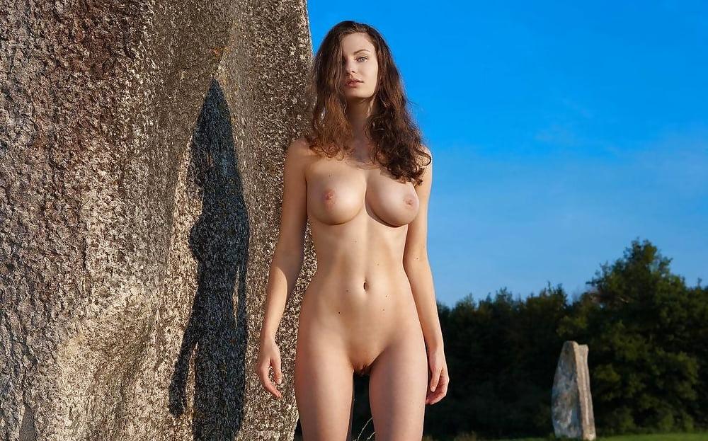 Nude Femjoy Countryside GotPorn 1