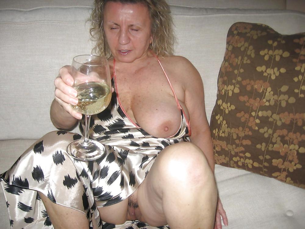 Mature drunk slut — photo 5