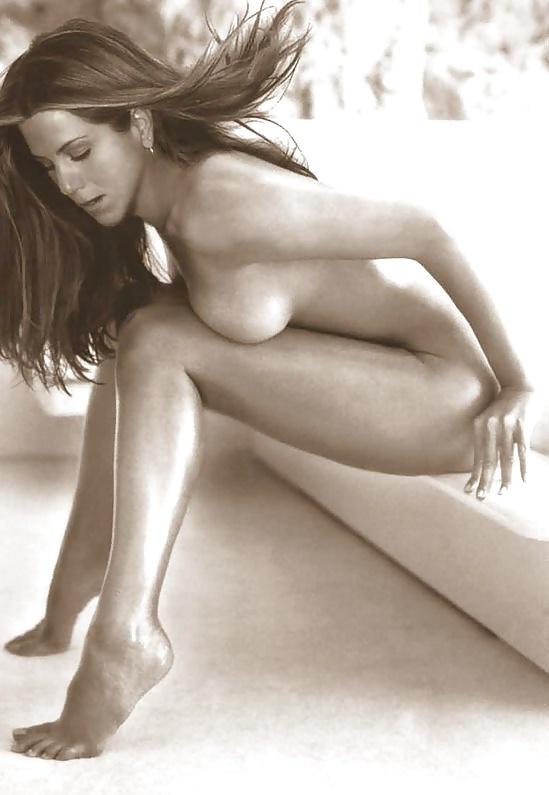 Jennifer aniston sexy and naked ass
