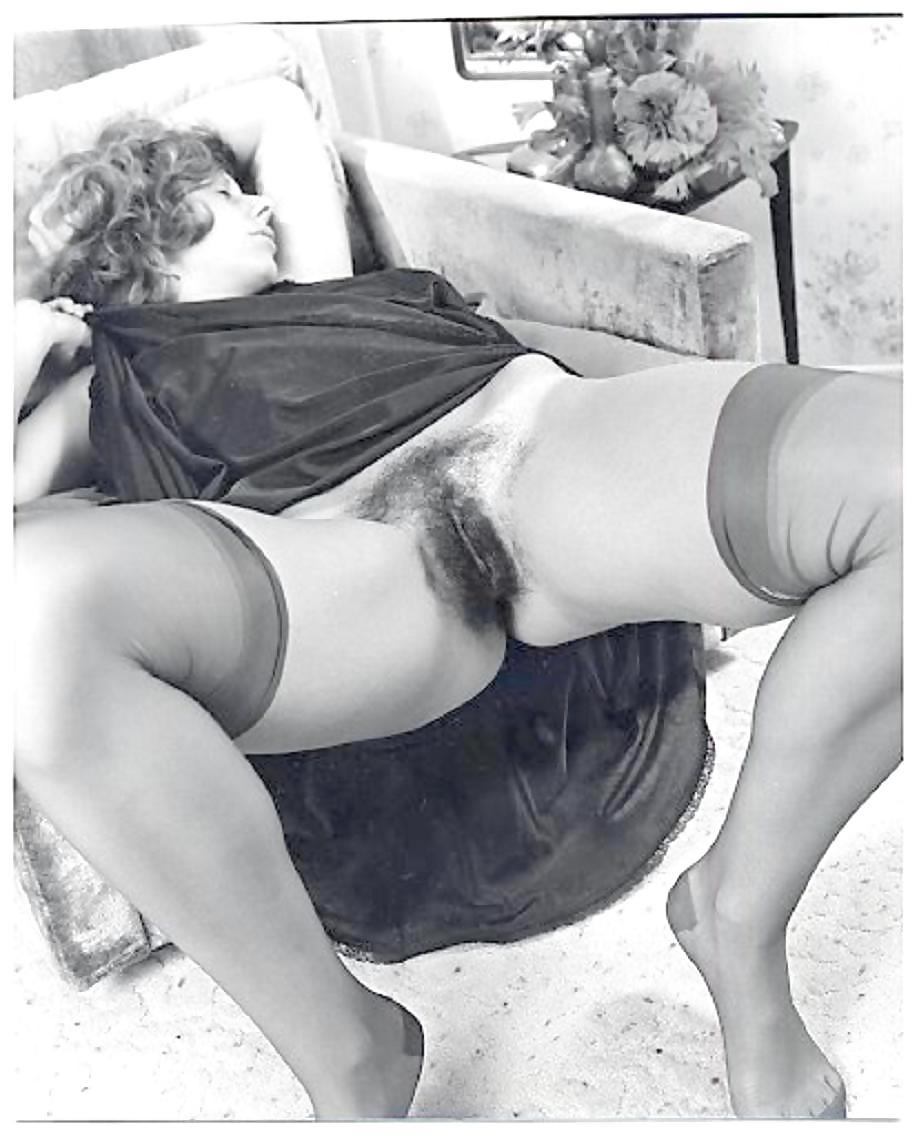 порно фото ретро баб в старомодном ниж белье