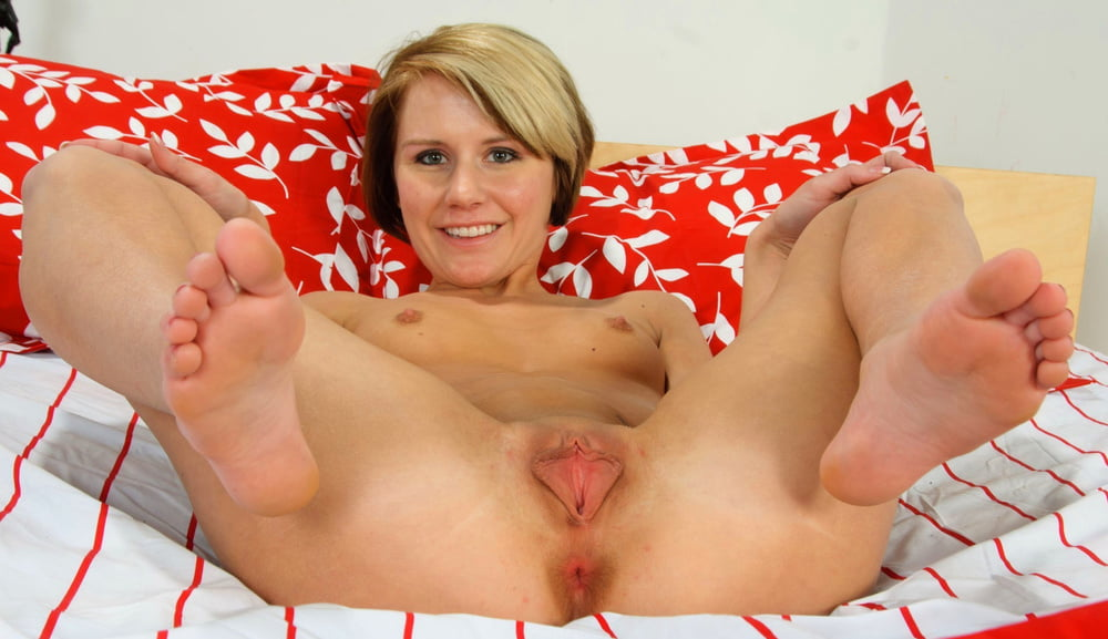 Milf spread pic