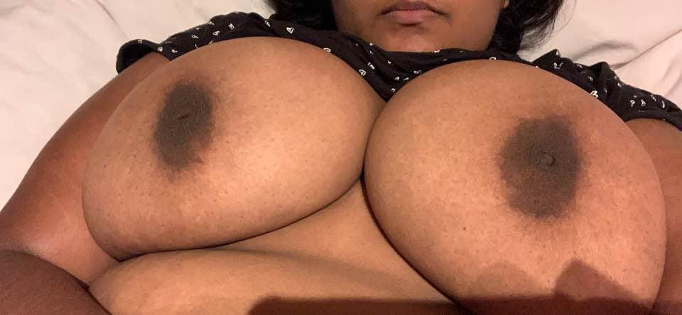 Amira very very sexy lady- 8 Pics