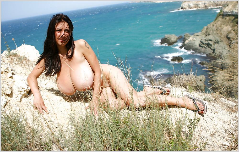 anya-big-tits-boys-humping
