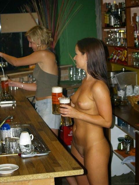 Stars Nude Hooters Waitress Jpg
