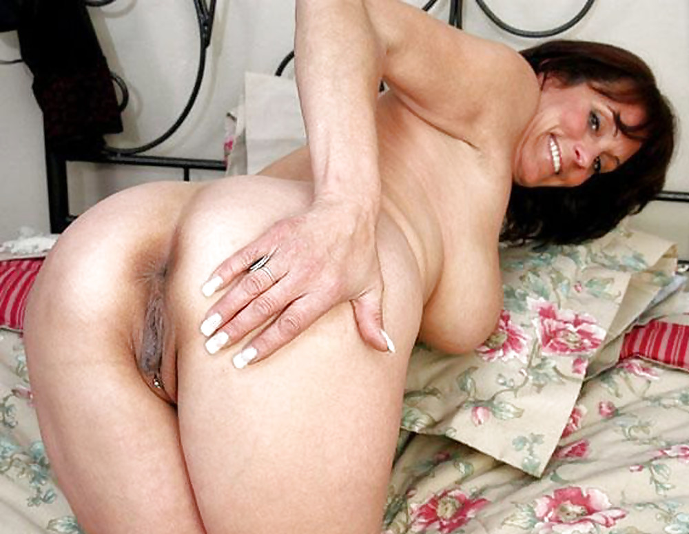 MILF's & Matures PuSSy Ass Spread Wide MiX by DarKKo - 35 ...