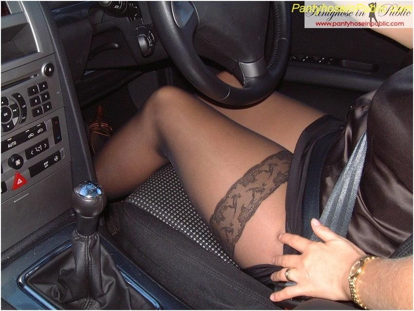Смотреть видео голые девки на автошоу пошел