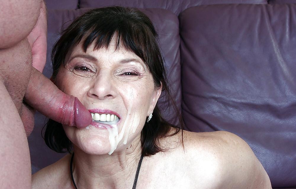 Ehefrau Vollbusige College Orgasmus