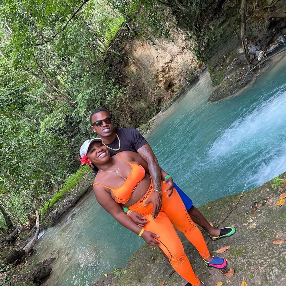Black couple for sex - 18 Pics