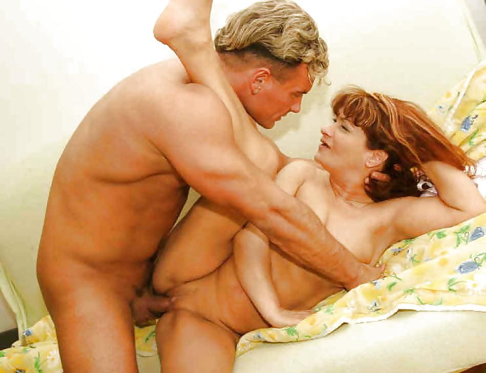 Порно старая жена с любовником, трах в халатиках