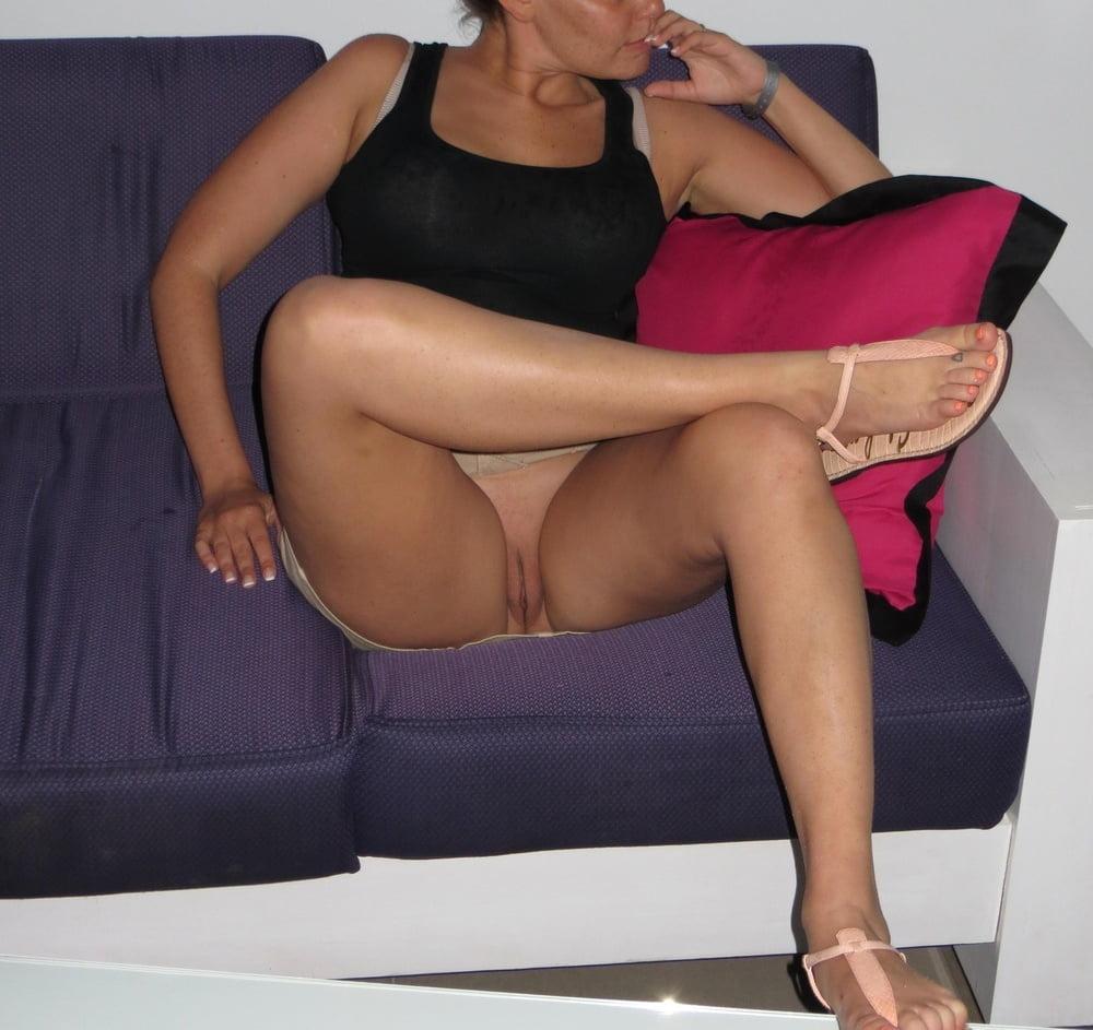 Upskirt crossed legs bare pussy, chyna wrestler porn