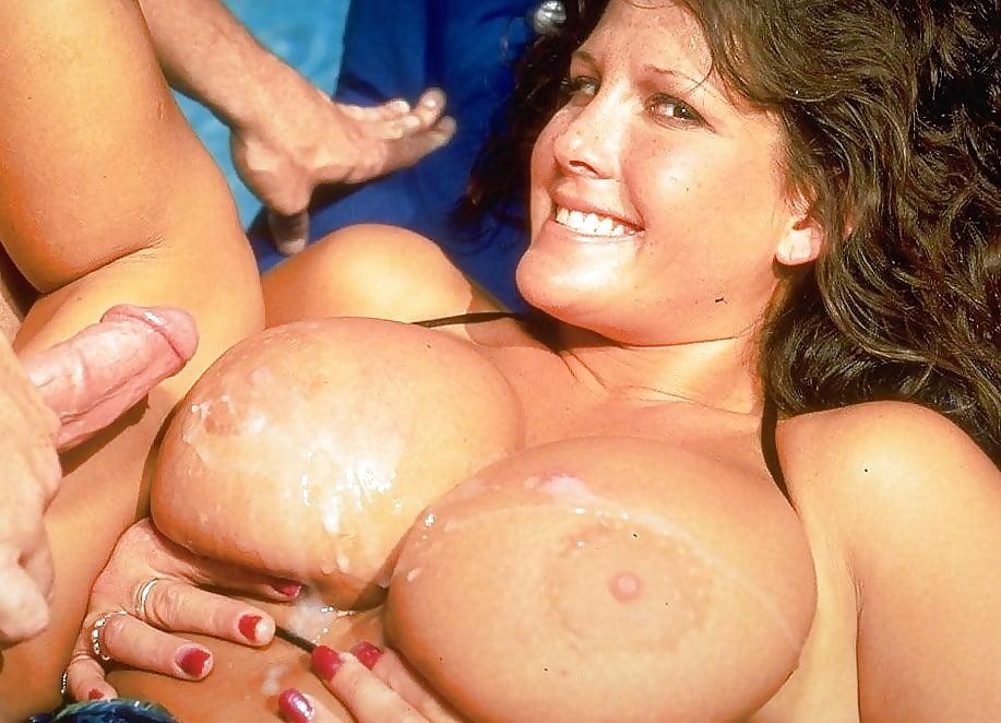 hollybody-wet
