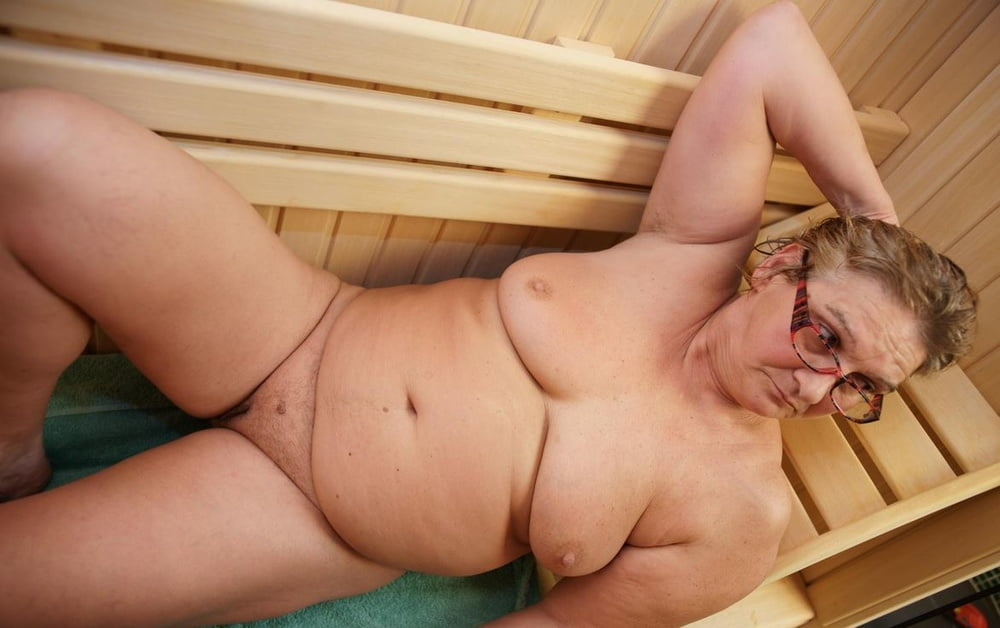 Порно видео старушки в бане
