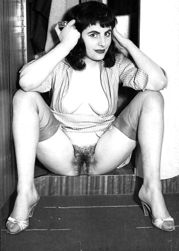 Vintage pussy flash — img 7