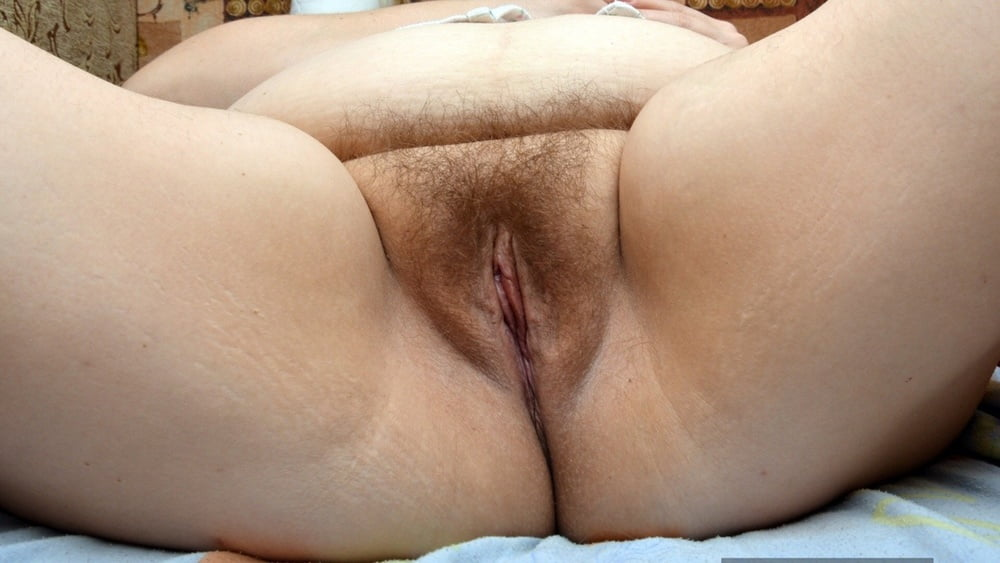 Mature Fat, Clean Shaven Pussy Close Up Nude Girls Pictures