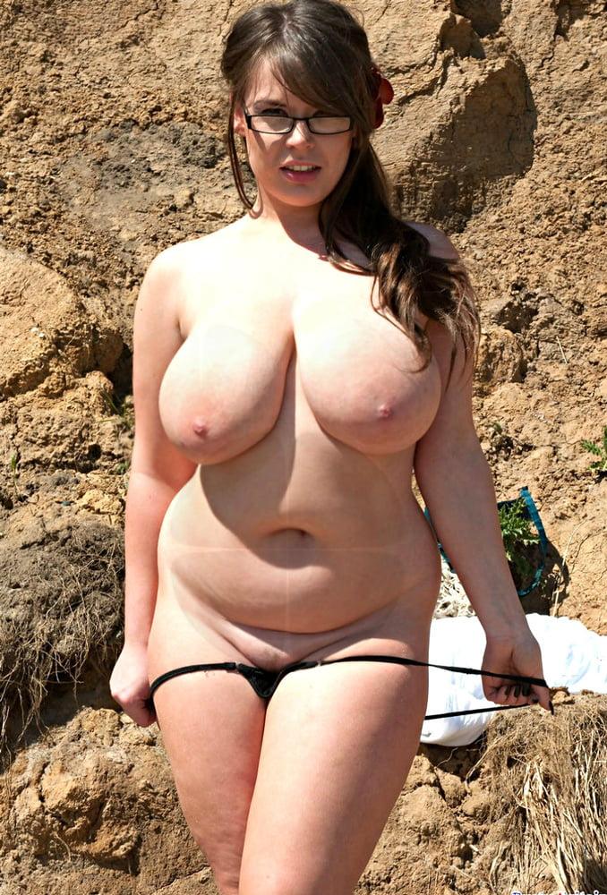Nude sexy chubby women