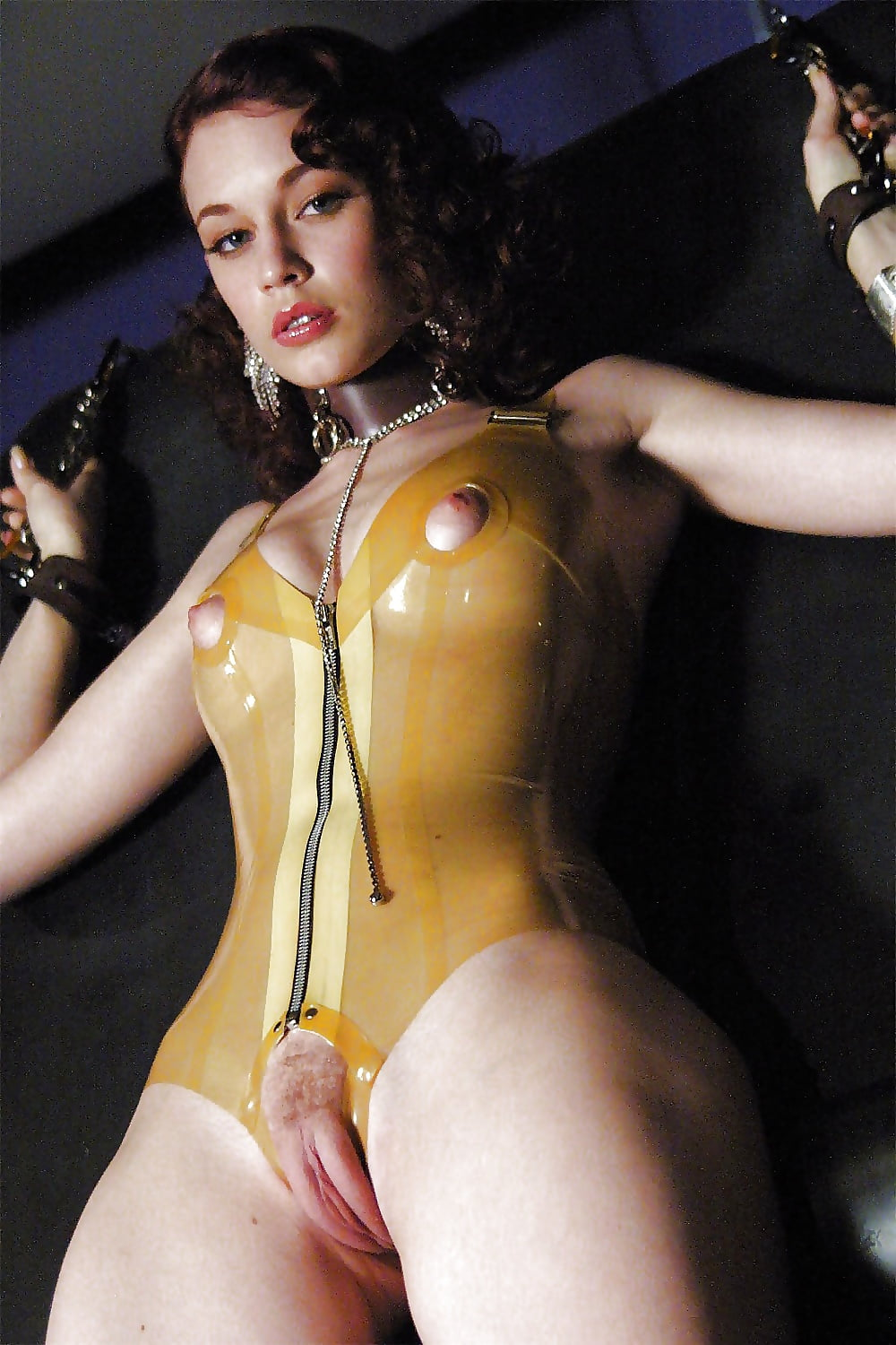 girls-nude-while-putting-on-latex-hot-piano-sex