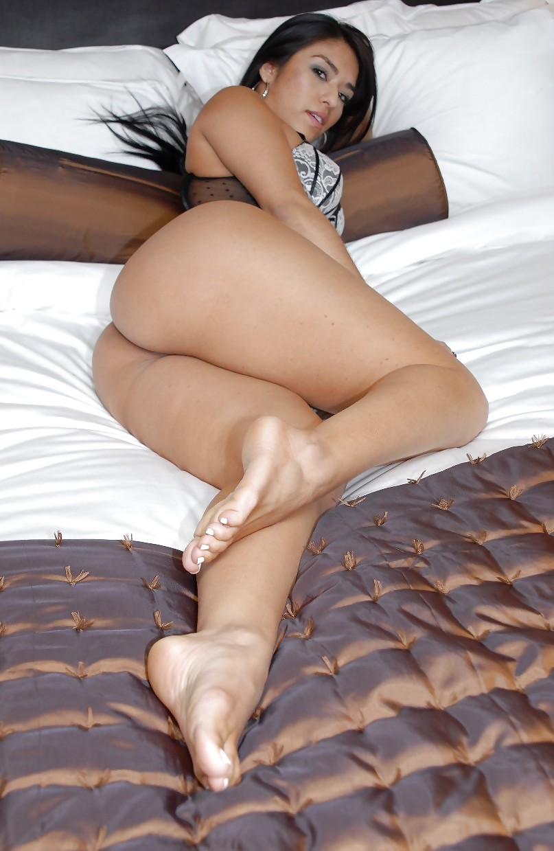Porn latina milf legs